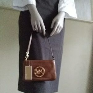 New Michael Fulton Brown Leather Wristlet